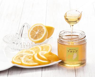 アカシア蜂蜜280gとレモン