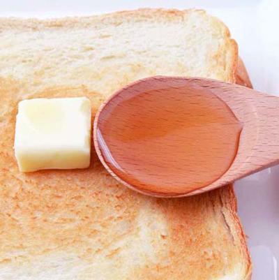 アカシア蜂蜜とパン